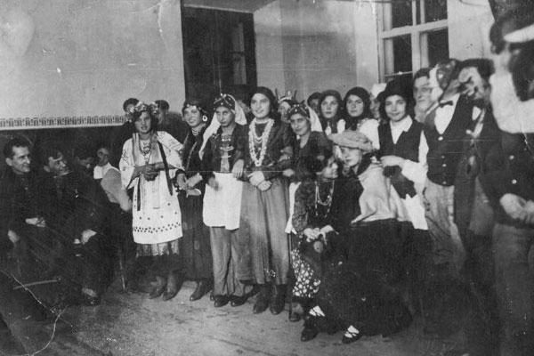 организация праздников в 30-е годы